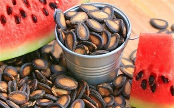با دانه های یک میوه تابستانی استخوان هایتان را محکم کنید