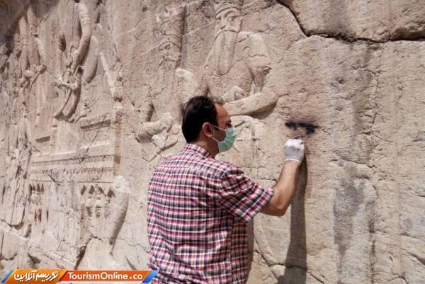 نقش برجسته قاجاری چشمه علی پاک سازی شد