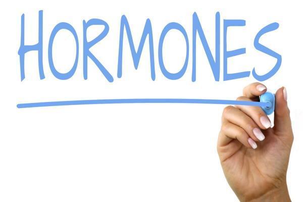 عدم تعادل هورمونی ناشی از کدام عوامل خطر است؟