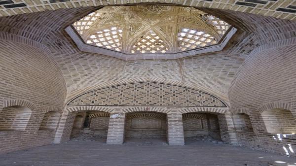 بازسازی خانه: شروع گام دوم بازسازی کاروانسرای خان طبس